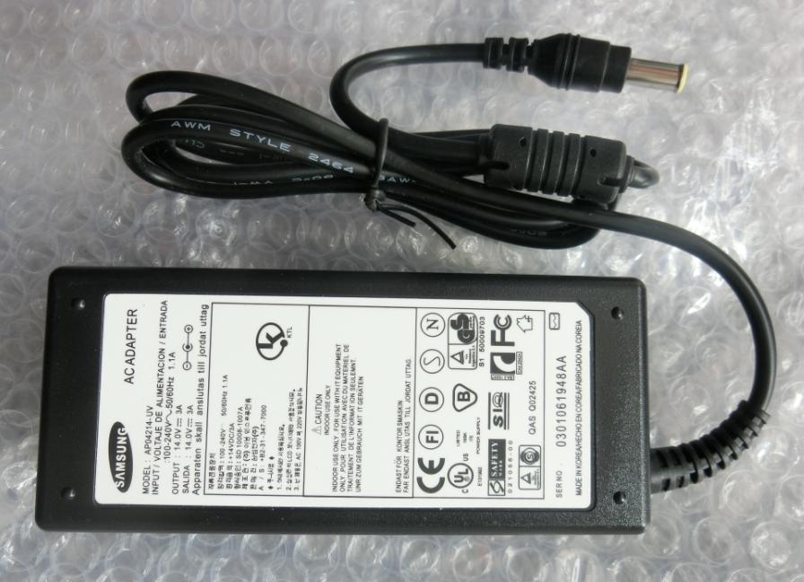 Geniune 42W Samsung LTN1565 LCD Monitor AC Adapter Charger Cord